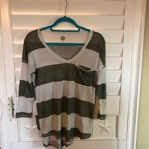 SO Junior 3/4 Sleeve Top Size XS